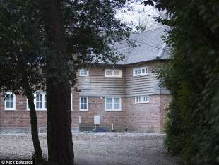 LA CASA DI CHRISTOPHER STEELE IN SURREY