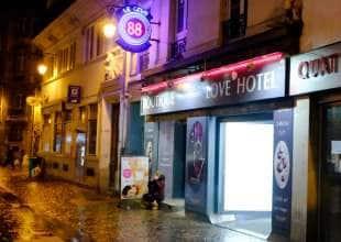 love hotel parigi