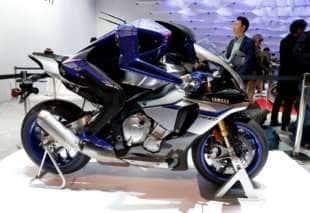 robot motociclista