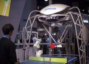 robot per giocare a ping pong