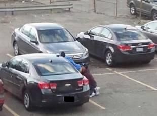 anilingus nel parcheggio