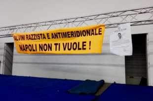 Napoli contro Salvini