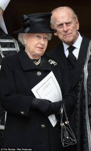 Dopo elisabetta il diluvio carlo potrebbe essere la for Quanto costa la corona della regina elisabetta