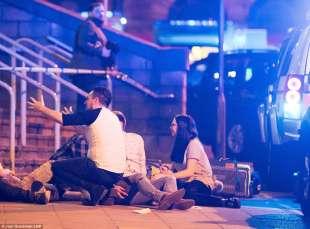 attentato a manchester al concerto di ariana grande 5