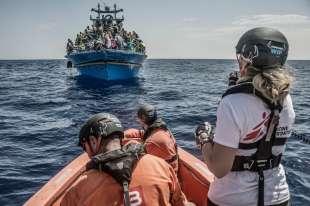 medici senza frontiere migranti barconi