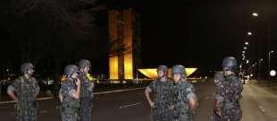 scontri brasilia, esercito