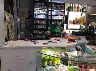 casamonica - aggressione a una disabile in una bar in zona romanina