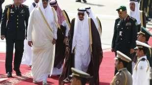 Il re Arabia saudita con emiro Qatar