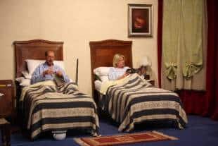 Uomo divorziato uomo rovinato sempre pi separati ridotti for Case con alloggi separati