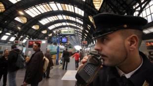 Ufficio Oggetti Smarriti Milano : Lodissea allufficio oggetti smarriti della stazione raccontata da