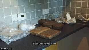 le droghe si vendono facilmente tramite app