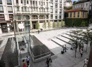 apre a milano il nuovo apple store di piazza liberty - è