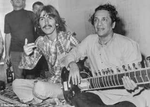 VACANZE DEI VIP GEORGE HARRISON CON RAVI SHANKER A LOS ANGELES IN AGOSTO