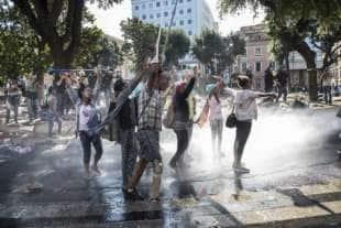 migranti piazza indipendenza3