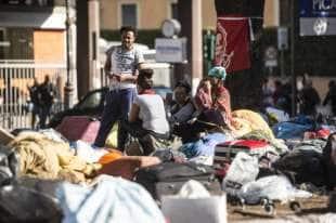 migranti piazza indipendenza7