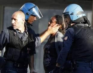 scontri a piazza indipendenza 6