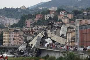 crollo ponte morandi 1