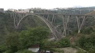 il ponte bisantis che collega catanzaro di riccardo morandi