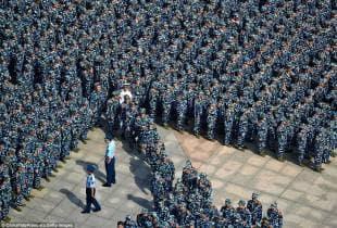 studenti cinesi in addestramento militare 1