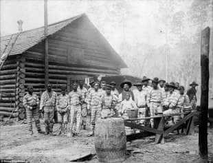 schiavi ai lavori forzati