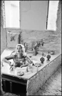 jayne mansfield nella vasca da bagno