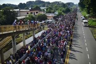 la marcia dei migranti honduregni verso gli usa