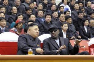 IL LEADER NORDCOREANO KIM JONG UN INSIEME AL GIOCATORE DENNIS RODMAN ASSISTE A UNA PARTITA