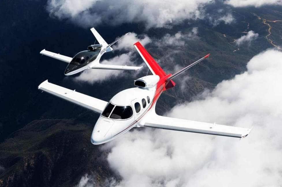Jet Privato Piccolo : Mi faccio un jet ecco il cirrus vision privato piu