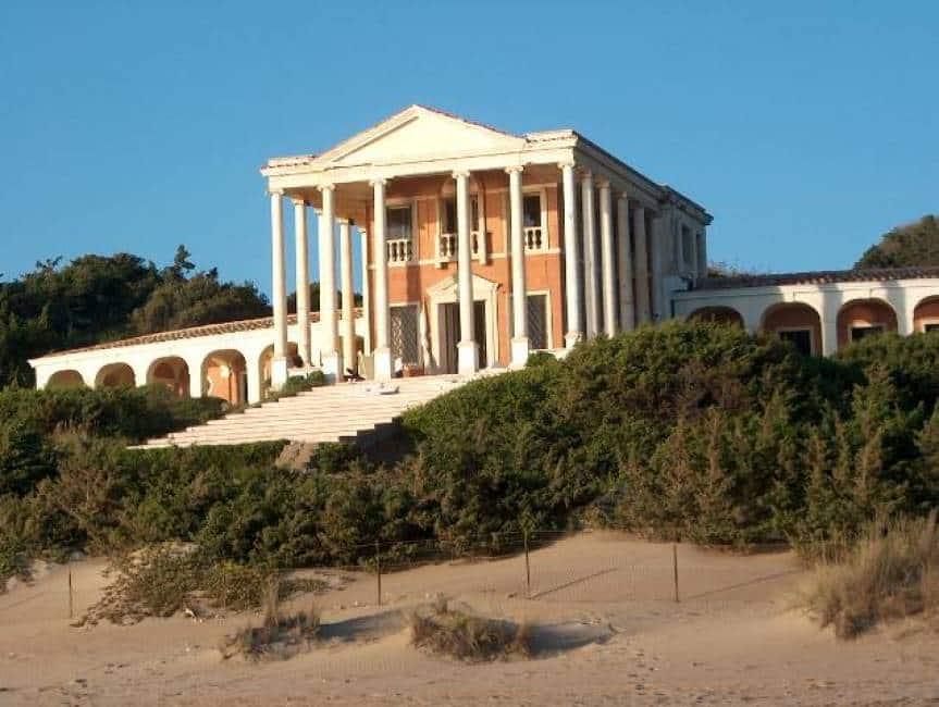 Ladri tra le dune allarme per il boom di furti nelle for Disegni della casa sulla spiaggia