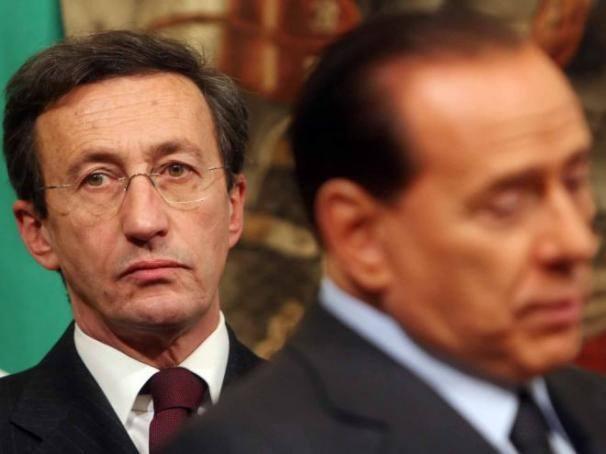 Berlusconi ha capito che il suo nemico non a sinistra ma - Partenza da calata porta di massa ...
