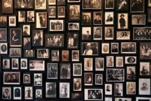foto appartenenti ai prigionieri di auschwitz
