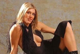 Samantha De Grenet Calendario 2002.I Primi 40 Anni Di Francesca Piccinini Il Calendario Sexy
