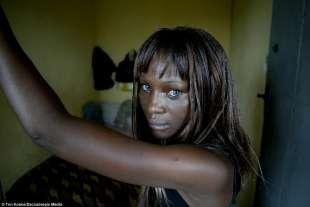 Nigeriane A Letto.Bordello Nigeria Reportage Fotografico Dallo Slum Del Sesso Di