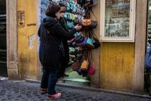 turisti cinesi con la mascherina a roma 8
