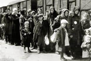 I prigionieri arrivano ad Auschwitz