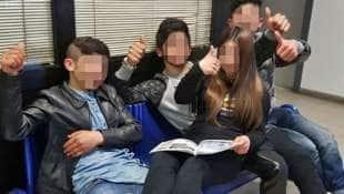 quattro ragazzini rom, arrestati per furto, sfottono i ...