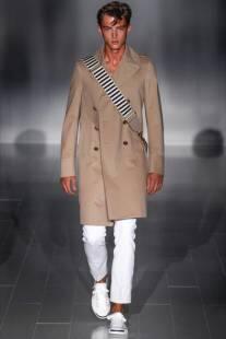 b3387d82c644 giacca e cravatta addio  uomini in vesti femminili