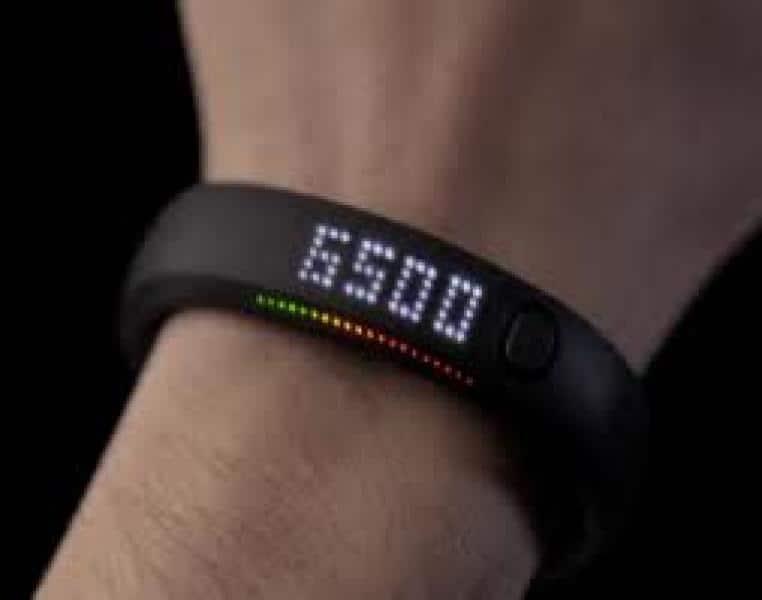 Gomma da cancellare ulteriore specchio  il personal trainer a portata di polso: la nuova moda del braccialetto  intelligente - Dagospia