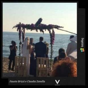 Matrimonio Spiaggia Sabaudia : Duello di feste a capalbio nozze sulla spiaggia di sabaudia con