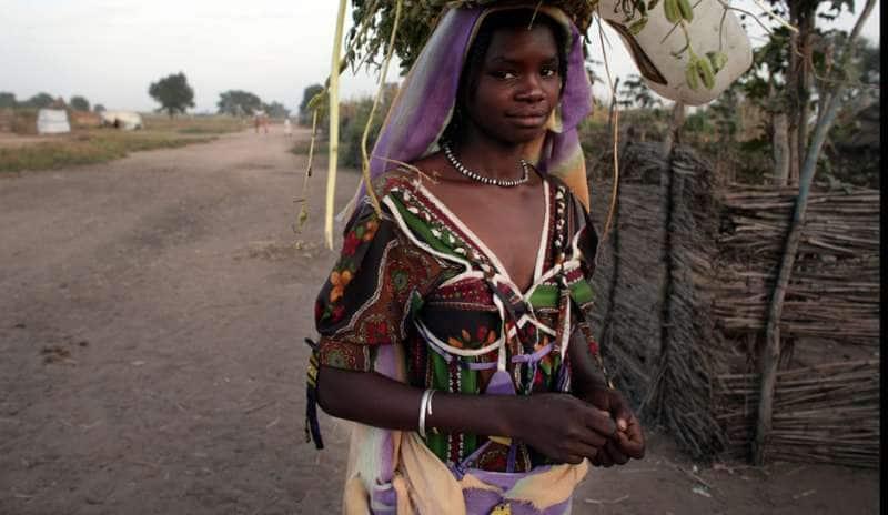 Date malawi women