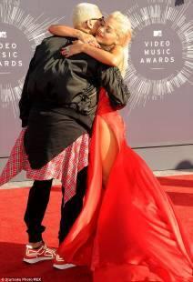 Che è Chris Brown attualmente risalente 2014