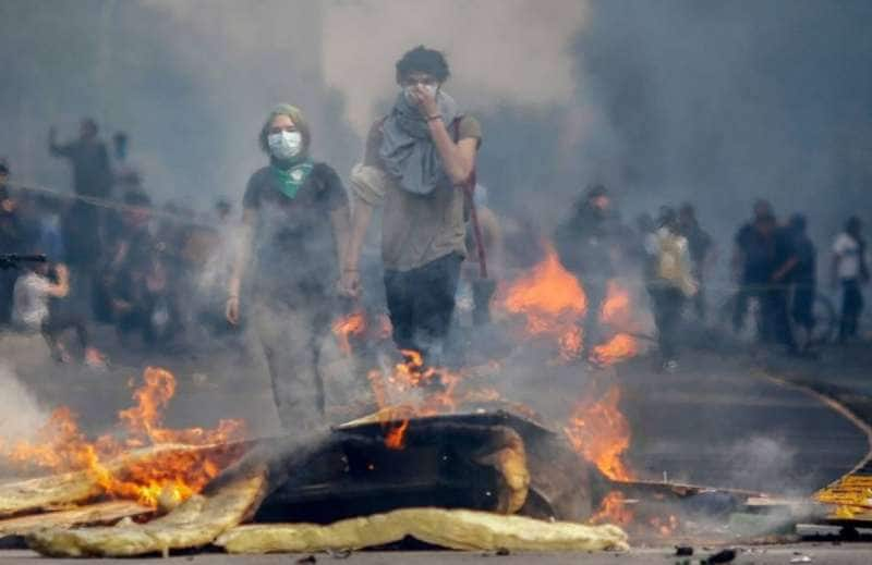 scontri e proteste in cile 11