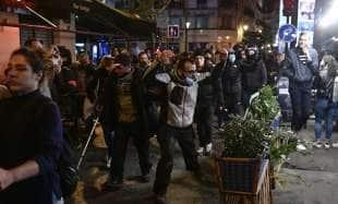 proteste anti lockdown a parigi 2