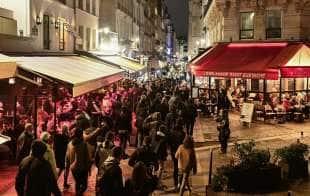 proteste anti lockdown a parigi 3