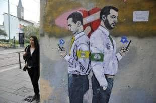 salvini e di maio murales by tvboy