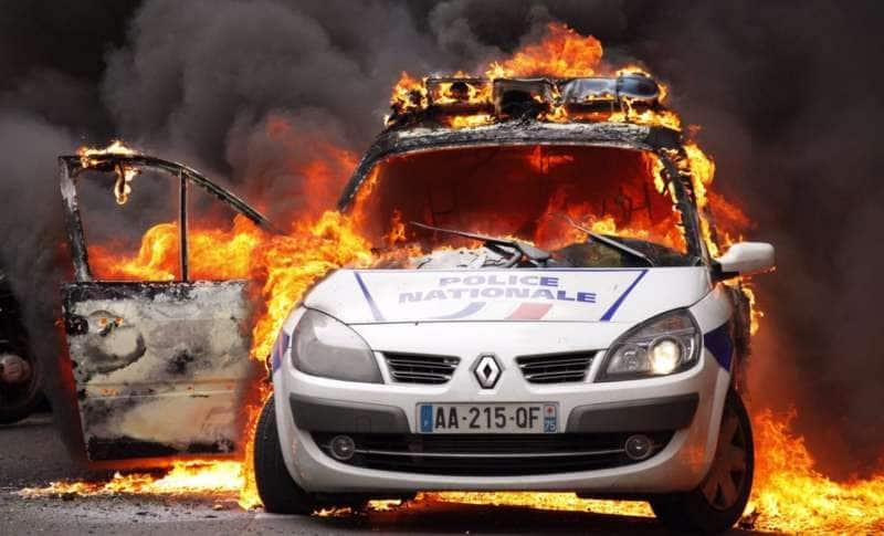 agguati alla polizia in francia 3
