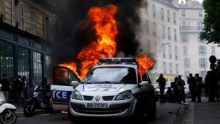 agguati alla polizia in francia 4