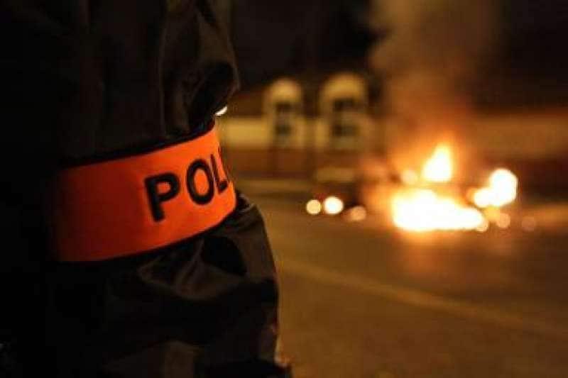 agguati alla polizia in francia 7