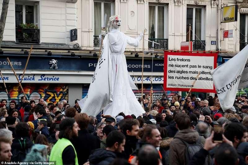 sciopero in francia tredicesimo giorno 27