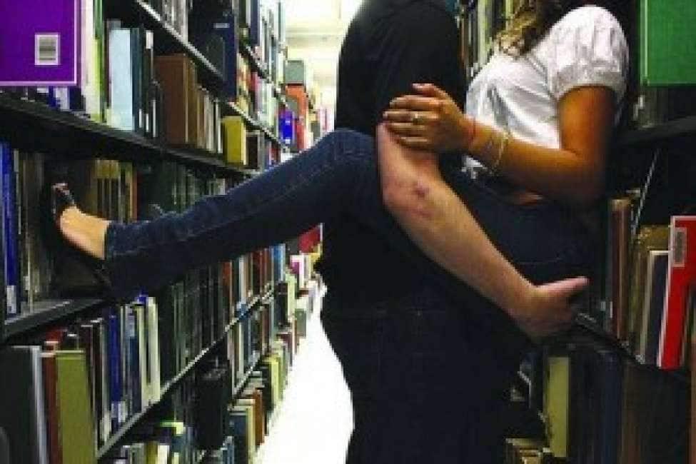 Famolo strano!fanno sesso nel bagno della biblioteca di empoli e